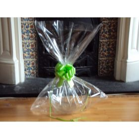 "JEMPAK UK® 24"" x 30"" EXTRA LARGE cellophane basket bags with CITRUS GREEN pull bow  (Pack of 1)"