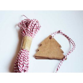 JEMPAK UK Pack of 20 blank xmas tree shape Kraft gift tags with 10M Red Baker's Twine