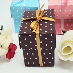 Pack of 10 Chocolate polka dot favour box