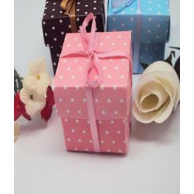 Pack of 10 Pink polka dot favour box