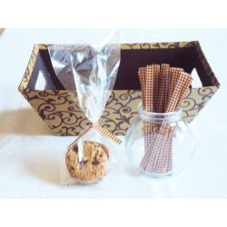 "JEMPAK UK Pack of 50 Small clear gusseted cellophane bags (3"" x 1¾"" x 8¼"") including 4"" Brown gingham twist ties"