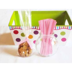 "JEMPAK UK Pack of 50 Small clear gusseted cellophane bags (3"" x 1¾"" x 8¼"") including 4"" Pink gingham twist ties"