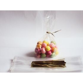 "Pack of 50 mini clear gusseted cellophane sweets / Party / Gift bags (2½"" x 1¼"" x 7½"") including 4"" Gold metallic twist ties"