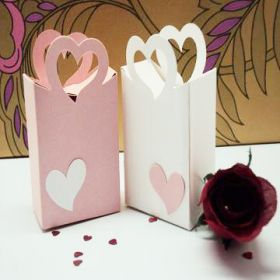 Pack of 10 white & pink heart basket favour box