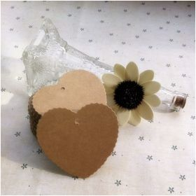 Pack of 25 blank brown Kraft love shaped gift tags (6.5cm x 6cm) for Packaging/Gift Wrapping/Card-making/General Decoration
