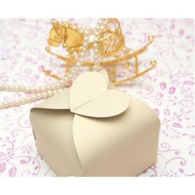 Pack of 10 ivory Heart top design wedding favour gift boxes (60mm x 60mm x 45mm)