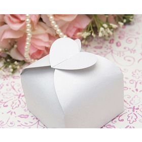 Pack of 10 White Heart top design  wedding favour gift boxes (60mm x 60mm x 45mm)