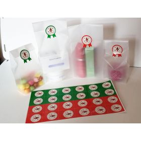 "Pack of 20 Small clear frosted block bottom sweet/party/gift bags (3"" x 2"" x 7"") with round printed merry xmas sticky labels"