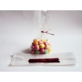 "Pack of 50 small clear gusseted cellophane sweets / Party / Gift bags (3"" x 1¾"" x 8¼"") including 4"" Red metallic twist ties"