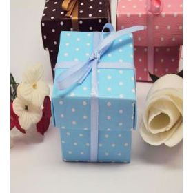 Pack of 10 Blue polka dot favour box