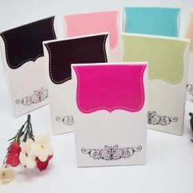 Pack of 10 Fuchsia tapestry favour box